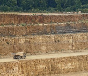 cement production aggravates carbon dioxide