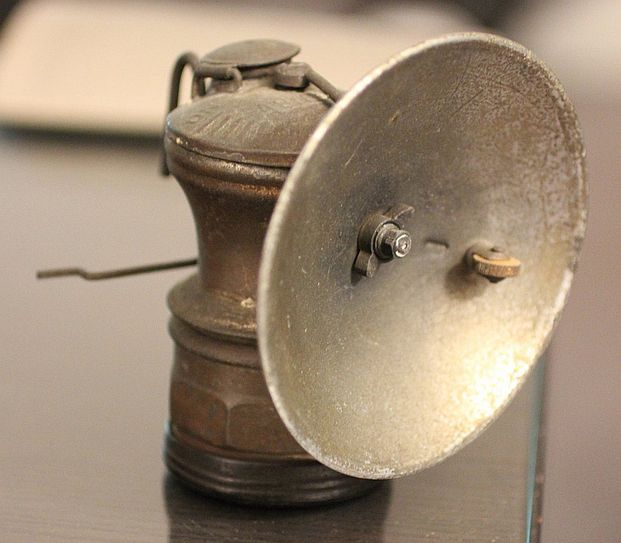 carbide miner's lamp